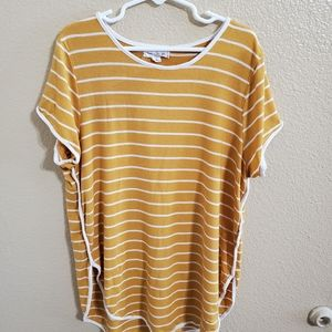 Hearts and Hips Girls Shirt size Large